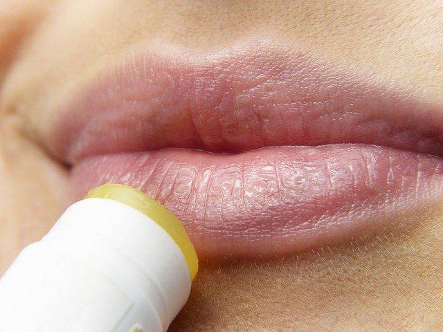 dudak kremi-kapak