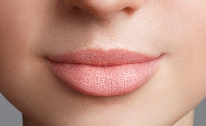 dudak renklendirme