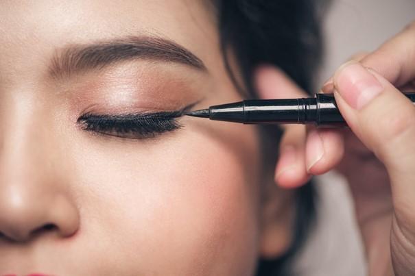 günlük makyaj-göz kalemi